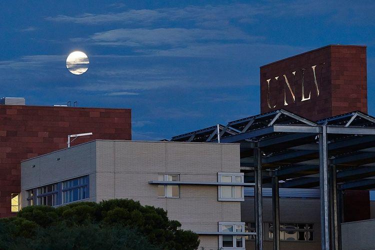 Nice little moonrise tonight. Moonrise Moon Las Vegas