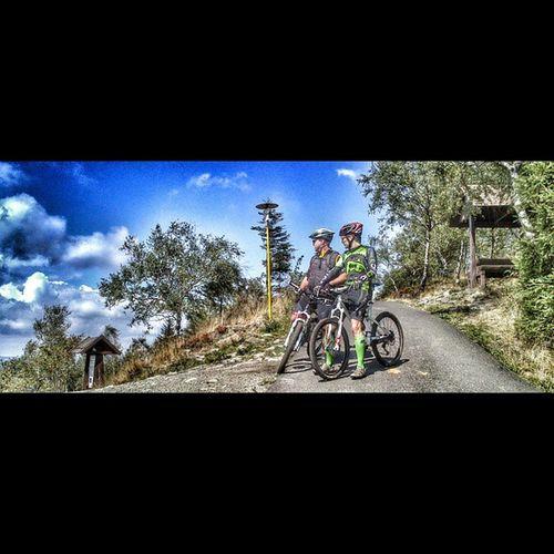 Loves_scott_bikes Jedlová Tanneberg Cz mtb scott2luvit scott mountainbiking bluesky friend fun sports
