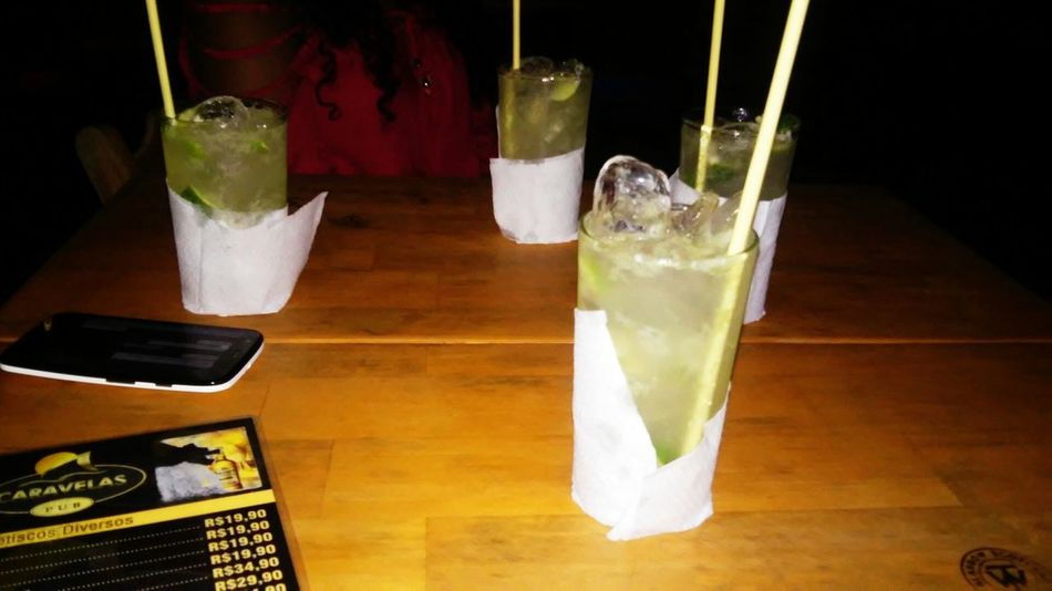 Relaxing Time Enjoying Life Be Happy With Friends Friends Caipiroska Drinks