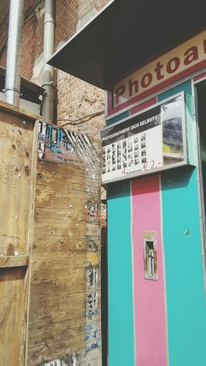 Photoautomat Berlin Kater Blau Colours Färben Check This Out Sunday Sunlight Patio Quintessential
