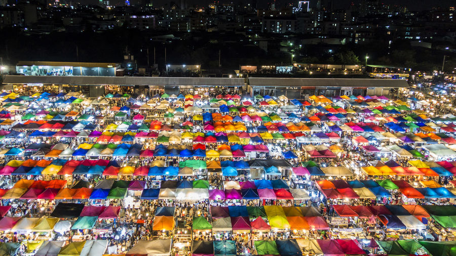 ตลาดนัดรถไฟ รัชดา | Ratchada Train Night Market Ratchada Train Night Market Bangkok Colorful Night Market Night Market In Thailand Night Photography Thailand ตลาดนัดรถไฟ รัชดา