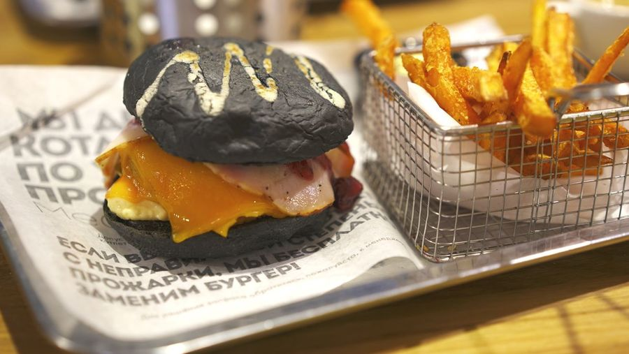 Burger and fries Fries Burger Time Burgers Burger Food Food And Drink Freshness Ready-to-eat Indoors  Healthy Eating No People Plate Business Focus On Foreground Table Serving Size Wellbeing Fried Egg Indulgence Seafood Still Life Close-up Japanese Food