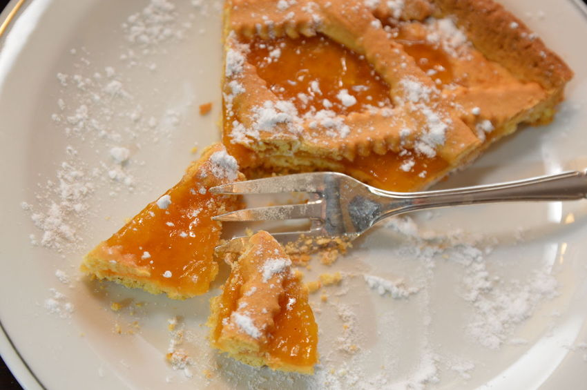 apricots marmalade cake Cake Marmalade Pie Dessert Baked Crostata Albivocche Apricots No People Fork Food And Drink Close-up Indoors  Food White Background