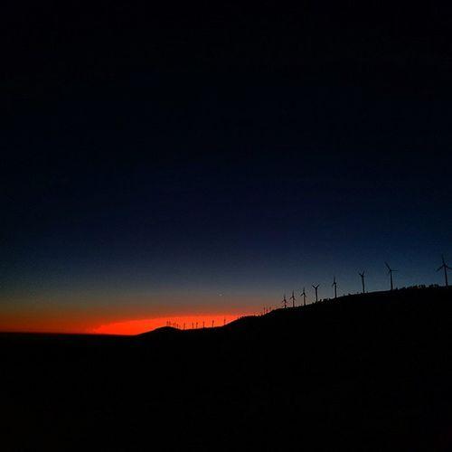 Os invejosos dirão que é montagem 😜 Pinhalinteriornorte Pampilhosadaserra Sunset Pordosol Serra Sky P3 Coimbra @coimbra_imagens
