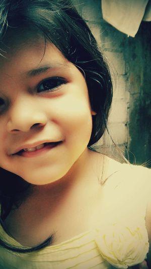 La vida vista a traves de los ojos de una niña. Hello World Sobrina Baby Ecuador My Life Ahora  The Human Condition Inspired