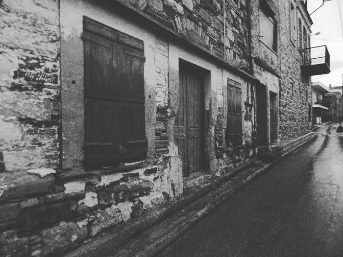 B&w Photography Chios Greece Streetphotography Old Buildings Rainyweather Earlymorningwalk