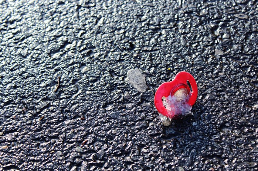 Red Close-up Textured  No People Sunlight Outdoors Day Asphalt Nature Fresh On Eyeem  Winter Cold Temperature Snow Ice Rink Pacifier Streetphotography