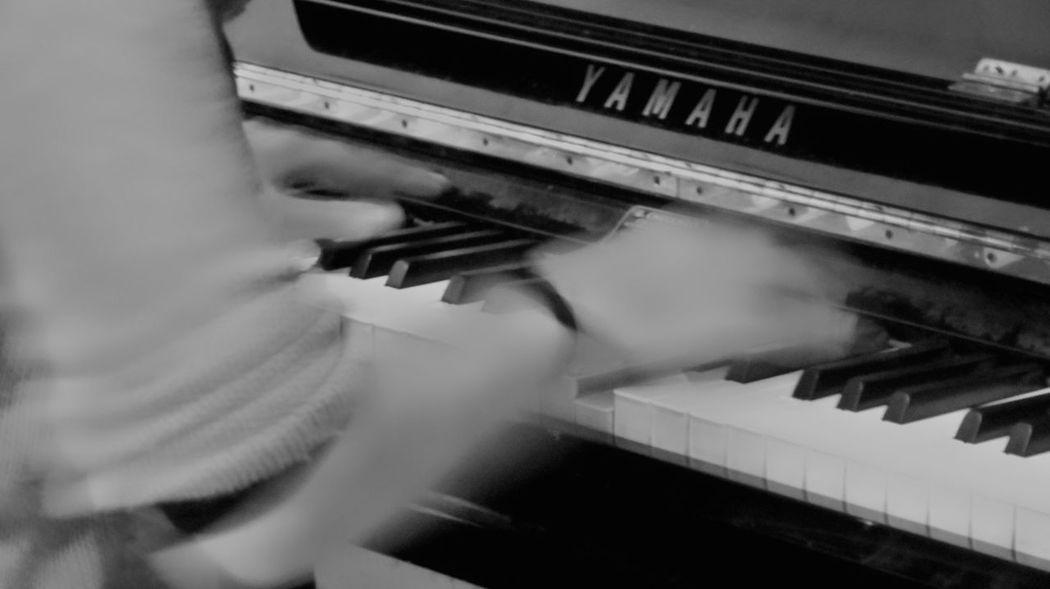 EyeEmNewHere Piano Music Indoors  Streetphotography Bnw Nikon Musician Blackandwhitephotography Pianoyamaha Fotografia Goodvibes Nikonphotography Peacefull Ontheroad