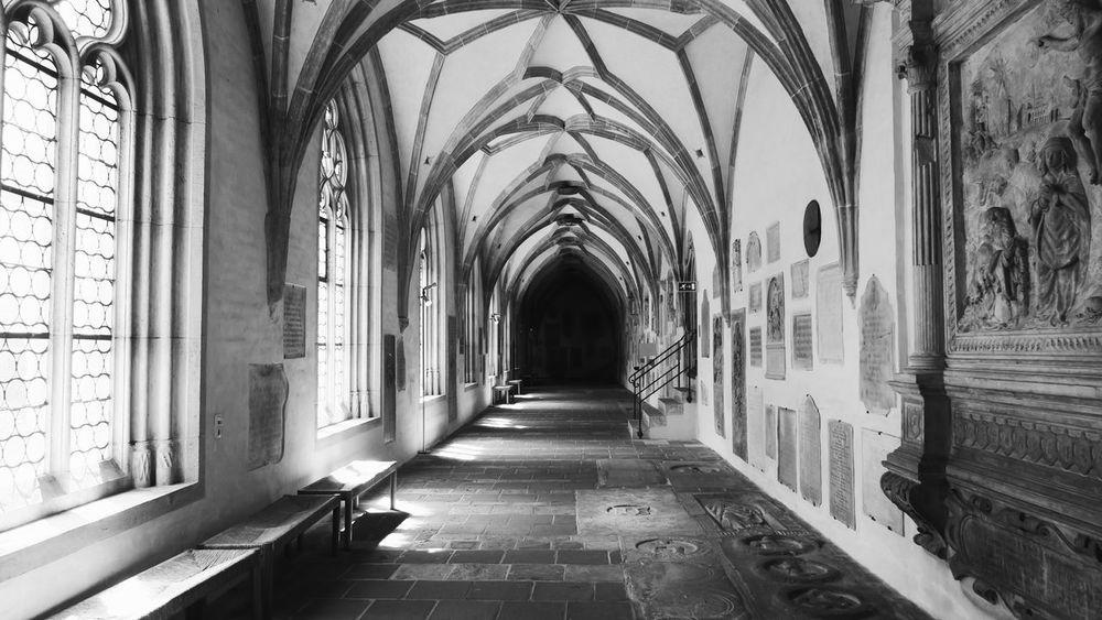 Church Kirche Stone Stein Fenster Korridor Flur Showcase July Corridor Hallway Hall Windows Window Passage Building Augsburgcity Bayern Augsburg Bavaria Germany Historical Buildings Gebäude Historical Buildings Black And White