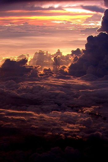 Sunset #sun #clouds #skylovers #sky #nature #beautifulinnature #naturalbeauty #photography #landscape Beautiful غروب منظر_جميل