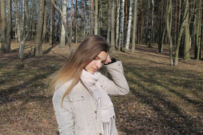 Walking in the park🌤 Sun Clear Sky Nice Day Cute Warm Day Hot In The Park Walking Walk In The Park Taking Photos Happy Day Rest Hanging Out Photo That's Me Hello World Love It Beautiful Girl Girl Motion Happy Memories Enjoying Life Nostalgia Cool
