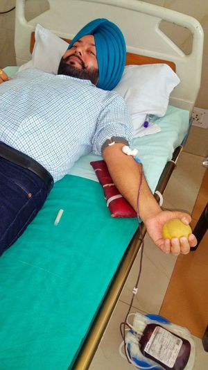 Blood Doner  Save Lifes Blood Donation Red Cross St John Ambulance