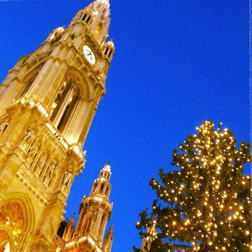 Christmas in Vienna Wien Christkindlmarkt Wiener Christkindlmarkt Rathausplatz Rathaus Light Lichter