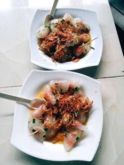 Vietnamese Food Food Vietnamfood Day Ready-to-eat Indoors  Vietnamfoodstreet Outdoors Food And Drink Ngonquáđê Banhbotloc Vietnamtravel