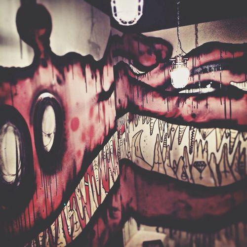 Toilet Beer Art Graffiti Stairs