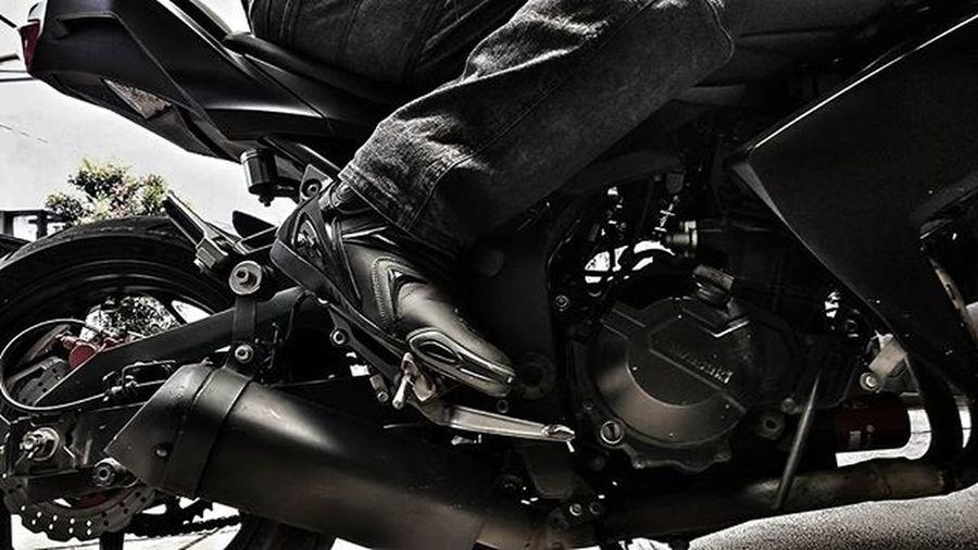 Motorcycle Kawi Kawination Kawasakiz250 Kawasaki Z250 Nakedbikenation NakedBike Forma Felocity Formaboots Eatsleepshift🔃 Komine Gopro Gopro3plus Goproblackedition Goproeverything Goprooftheday Goprohero3 Gopro_moment Val  2016 😚 😚 😚 RideorDie