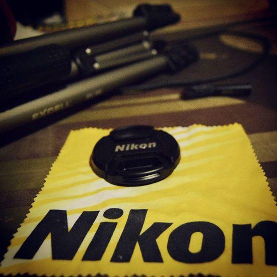 I am Nikon Nikon Lenscap Tripod