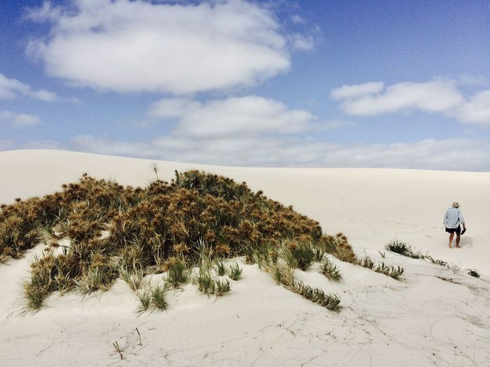 EyeEmNewHere Scorching Heat Australia & Travel Figure In Nature Heat - Temperature Lost In The Desert Man Walks Alone Remote Places Sand Dune