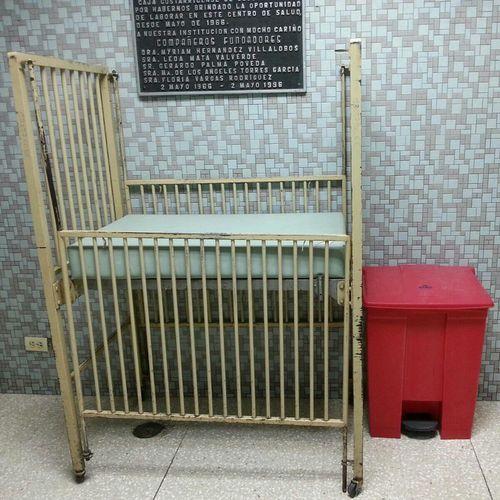Clinic Crib Vintage Nofilter