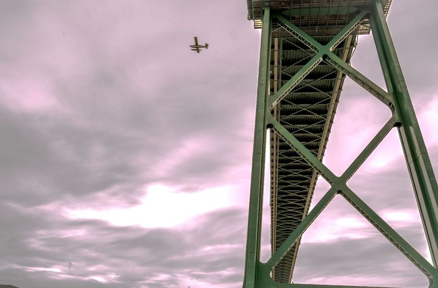 Look deep Lionsgatebridge Fly High Storytellers Relaxing British Columbia Canada Seewhatisee Photooftheday Peace Nikonphotography Check This Out SpreadSmile Stanly Park Art Abstractphotography Drama Skyporn Skylovers The Architect - 2016 EyeEm AwardsThe Architect - 2016 EyeEm Awards