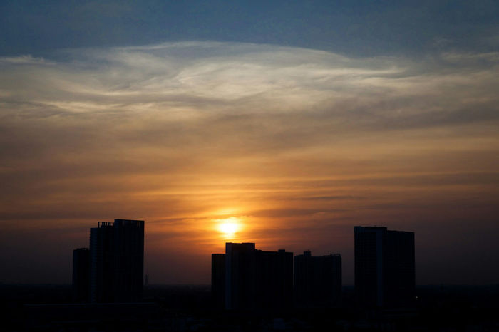 Sunset Sunset Urban Skyline Cloud - Sky Cityscape Sky Romantic Sky Pollution Effects Pollution