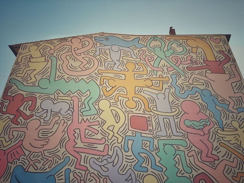 | TUTTOMONDO | Keith Haring EyeEm Italy House Wall Multi Colored Pattern Backgrounds Mural Fresco Graffiti Painted Image ArtWork Capture Tomorrow Moments Of Happiness