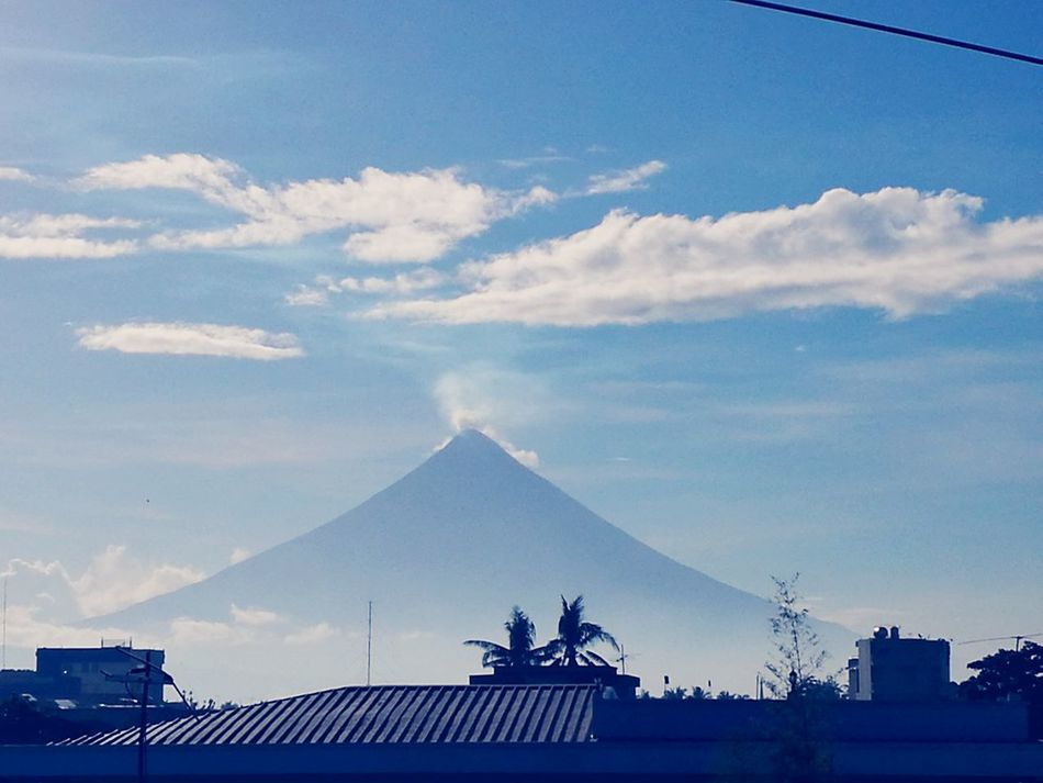 Mt. Mayon Outdoors Sky Day Travel Destinations Outdoor Photography BicolisLove Tourism Tourist Spot Touristic Destination EyeEm Nature Lover EyeEm Best Shots - Nature EyeEmNewHere EyeEm Gallery Beauty In Nature HuaweiP9 HuaweiP9Photography