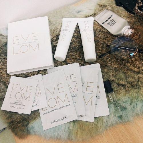 저번에 클렌징 200ml구입후 구성품이 3개나 덜 와서 아줌마처럼 따졌더니 샘플까지 많이 주셨...^^? Evelom Cosmetics Cleanser 이브롬 레스큐마스크 rescuemask 갤러리아몰