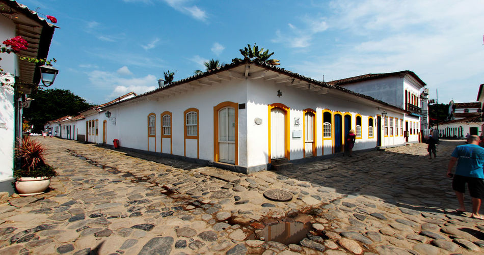 Historical Sights Paraty, Brazil Portuguese Architecture Architecture Brazilian Gallery Building Exterior Built Structure Day Histrorical Places Nature No People Outdoors Sky The Way Forward