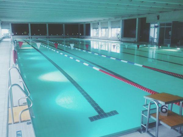 """der letzte mach das licht aus! schwimmen nach """"badeschluß""""... :-)"""