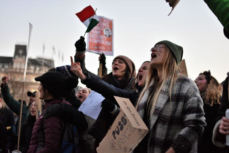 100,000 join London Women's March Activism Adult Adults Only The Photojournalist - 2017 EyeEm Awards City Crowd Day Enjoyment Excitement Friendship Happiness Leisure Activity London News Outdoors People Protesters Women March Togetherness Warm Clothing Women Women Who Inspire You Young Adult Young Women EyeEm Diversity