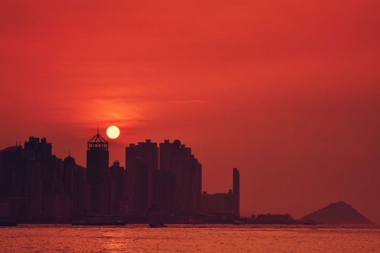 Dusk of Hong Kong island EyeEm Best Shots EyeEm Nature Lover EyeEm Gallery Eyeem4photography Beauty In Nature Moon Sunset Astronomy City Sky Architecture Built Structure Building Exterior Orange Color Scenics Tranquil Scene Idyllic