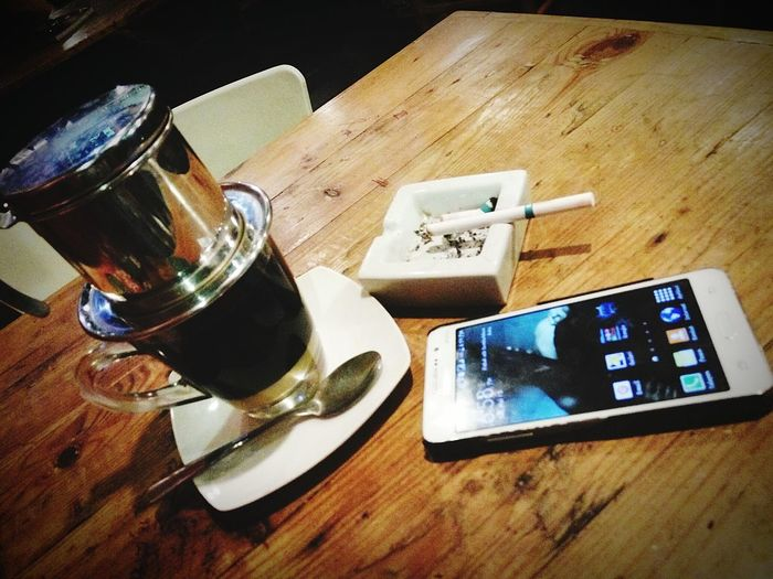 Relaxing Coffeeshop Kopitiam Zakse That's Me Vietnamdripcoffee Alone Sigarets Dunhillightmenthol