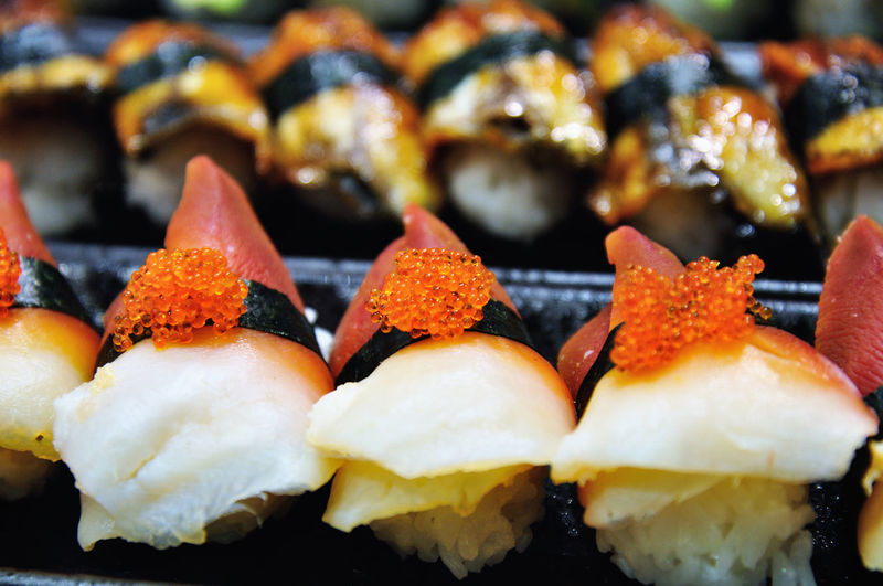 Salmon egg sushi Asian Food Caviar Close Up Close-up Day Focus On Foreground Food Food And Drink Freshness Healthy Eating Indoors  Japanese Food No People Orange Color Raw Ready-to-eat Repitition Selective Focus Sushi