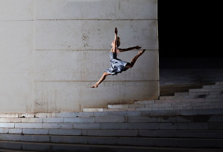 Elastic Jumping Motion Mid-air Agility Athlete Architecture Girl The City Light