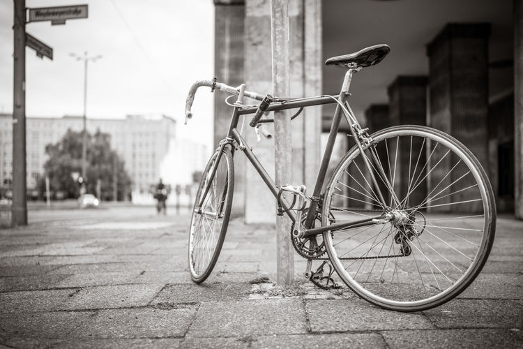 Rennrad Berlin City Fahrrad Black And White Bycicle No People Outdoors Straße Streetphotography