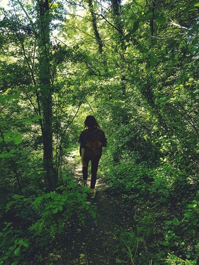 Real People Standing Day One Person Outdoors Full Length Green Color Field Men Nature Growth Grass Peace And Love ✌❤ Plants 🌱 Happiness Beauty In Nature Tree People