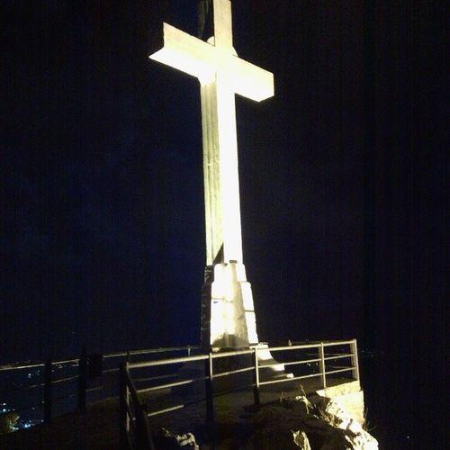 La cruz del castillo Nofiltro Castillo Jaén Fotonoche