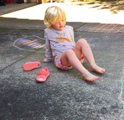 Sidewalk chalk girl 13048553