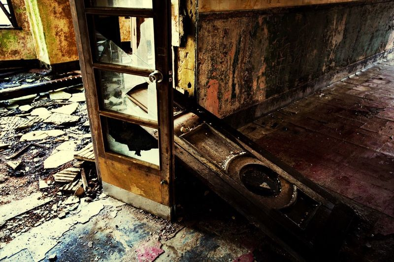 Ruins Urbex Japan Hello World Dark Traveling Travel Light And Shadow Funiku