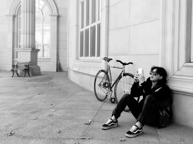 Bicycle Fixie Fixedgear Vans Window One Person Transportation Mode Of Transport Architecture Full Length Sitting Day Building Exterior Indoors  Real People Men City Young Adult One Man Only Adult People First Eyeem Photo Wine Not EyeEm LOST IN London Miche