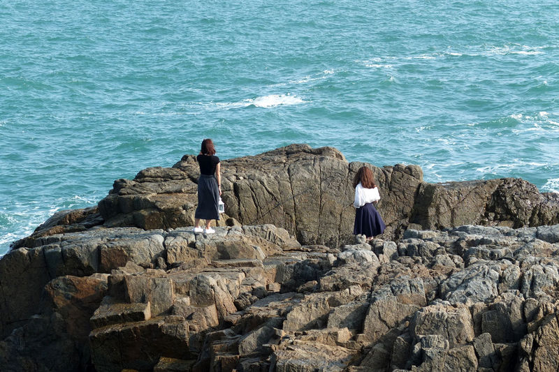 Adult Adults Only Day Mountain Nature Outdoors People Real People Rock - Object Rock Formation Sea Waliing Walking Around Taking Pictures Water waiting game My Year My View Women Around The World
