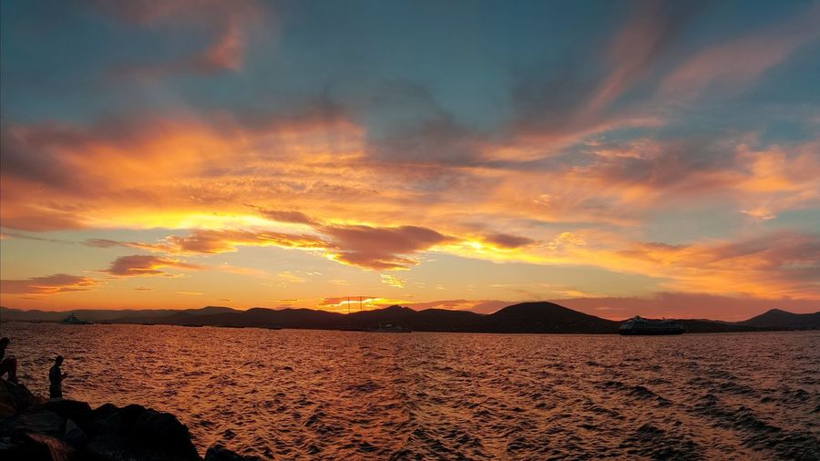 Port de Saint Tropez, one more ... Landscape Sunset Dramatic Sky Beauty In Nature Nature Tranquility Cloud - Sky Sky Water Samsung Galaxy S8 Beauty In Nature Saint-Tropez Saint Tropez Dramatic Sky Refelction