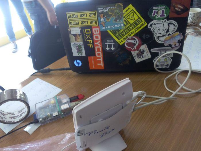 PirateBox Raspberry & pas d'Autel Kopimist ...but proud of our youth ! SFD2015TN