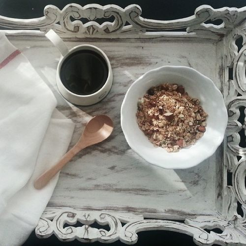 I drink my coffee black! Breakfast this morning was a bowl of maple honey nut granola and a Dutch Colony's coffee in a handcrafted mug from @weekendworker @dutchcolony Theediblecompany Pasarbellagoestotown Granola Breakfast mornings igsg