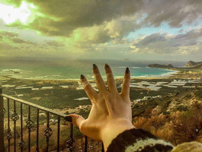 Beauty In Nature Day Horizon Over Water Human Hand Nature Real People Sea Sky Water