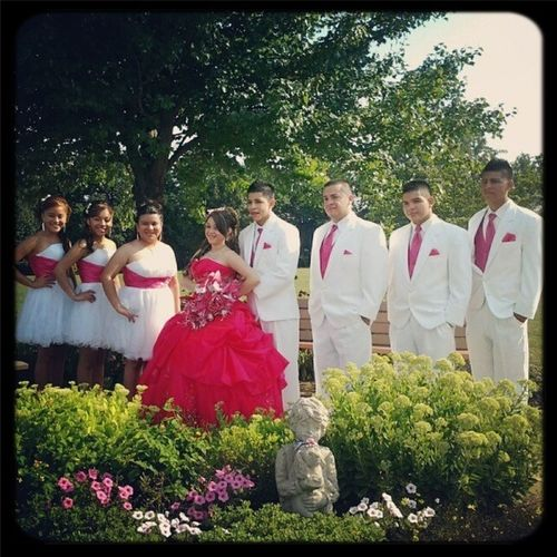 8.11.12 <3 Best Day Of My Life . If Only I Could Go Back To That Day One More Time . Deff Can't Wait For Cinco De Mayo To Put On My Dress One More Time ☺