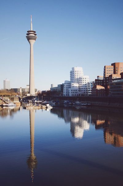 Medienhafen Düsseldorf Düsseldorf Hafen Medienhafen Blauer Himmel Blue Sky