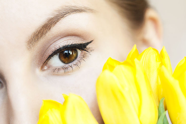макияж  макияж глаз мейк мейкап глаза  Тюльпаны цветы желтые цветы жёлтые тюльпаны солнце Makeup Eyes Eyes Makeup Flowers Tulips Yellow Flowers Yellow Tulips