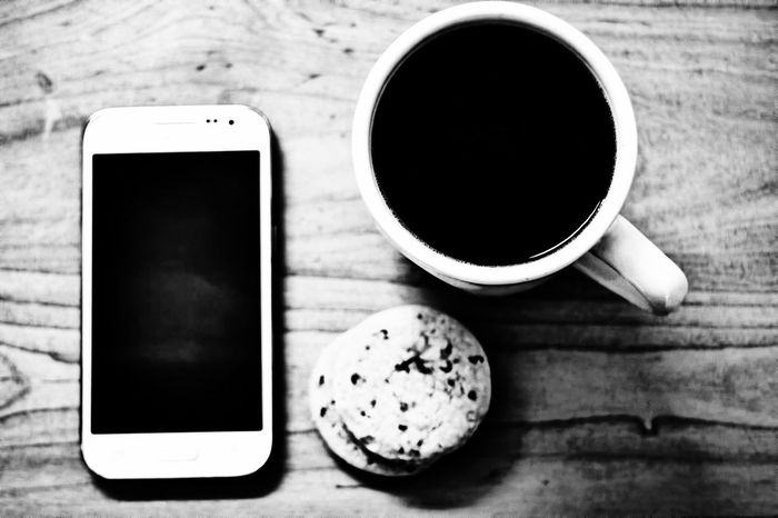 Break time! Wireless Technology Drink Coffee - Drink Table Directly Above Food And Drink Refreshment Technology Indoors  Mug Day Close-up Wireless Technology Drink Coffee - Drink Table Directly Above Food And Drink Refreshment Technology No People Indoors  Mug Day Close-up